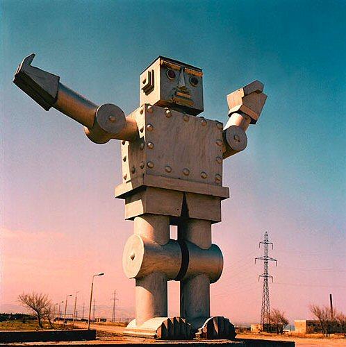 598345_071102_robot_05.jpg