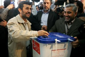 589843_090104_elections65.jpg