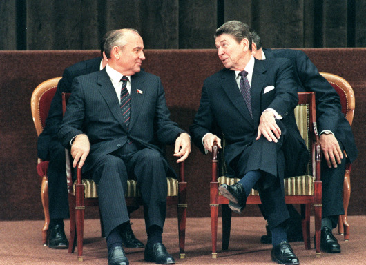 The Rebellion of Ronald Reagan: A History of the End of the Cold War – By James Mann