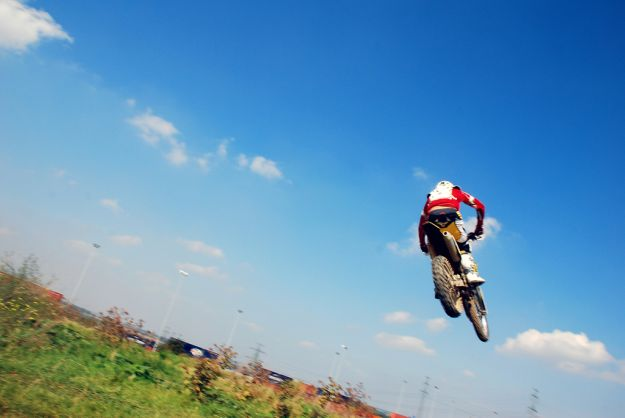 575148_091223_motocross2.jpg