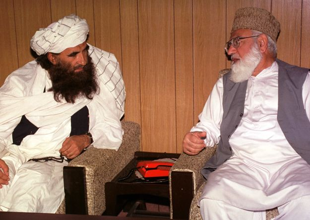 Jalaluddin Haqqani (L) // Visual News/Getty Images