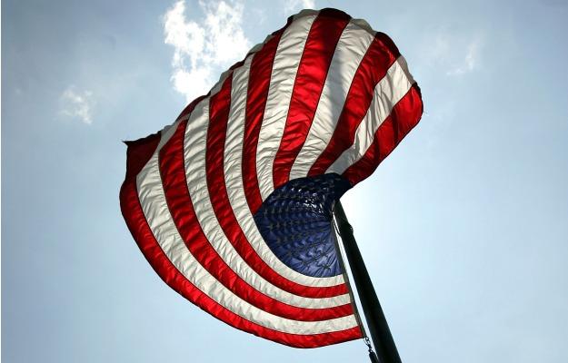 559882_101227_flag2.jpg