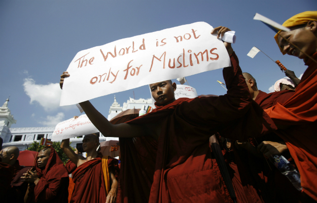 610542_buddhist_protest_muslims_edited_22.jpg
