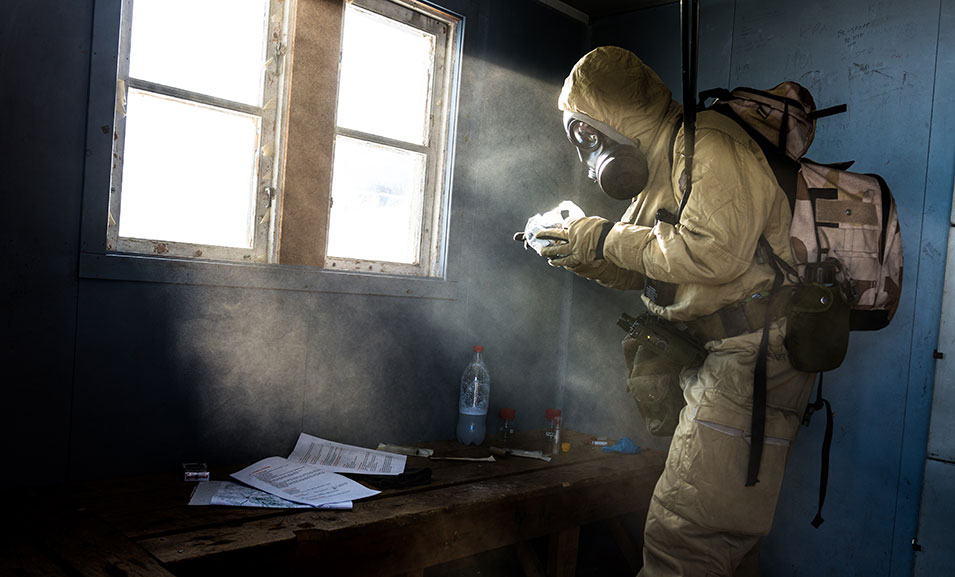 When using gas  masks and protective suits, modern soldiers can  operate in all kinds of polluted environments; they're able to protect  themselves against chemical,  biological, and radioactive weapons.      Ole-Sverre Haugli,  Norwegian Armed Forces