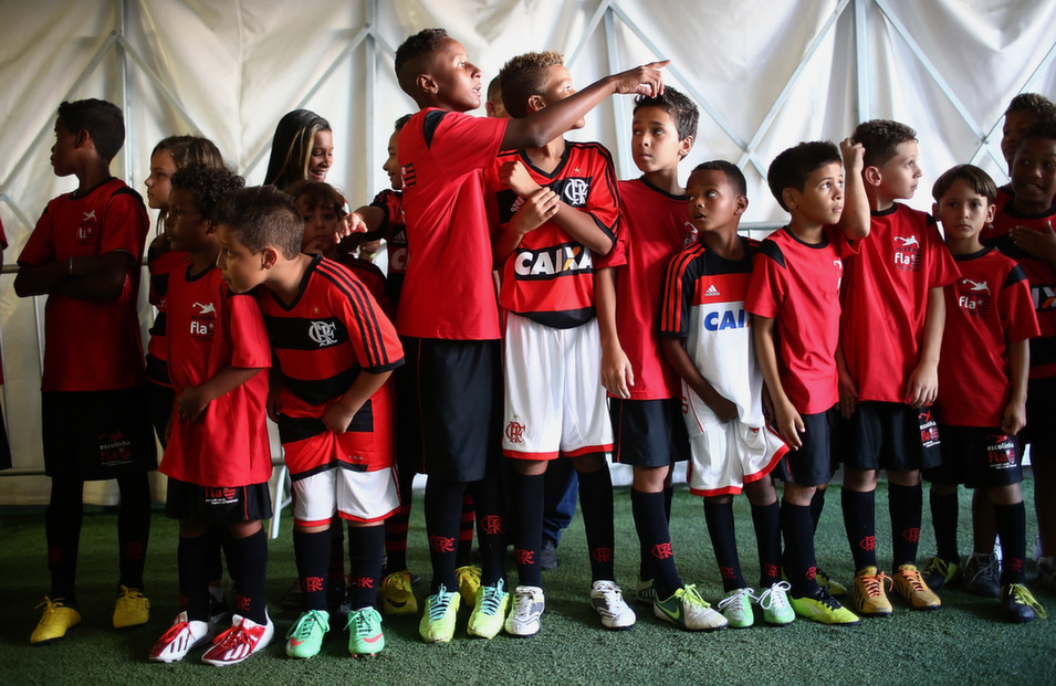 Young Flamengo supporters wait in the tunnel for the team to  enter before a match between Flamengo and Palmeiras as part of Brasileirao  Series A 2014 at Maracana Stadium in Rio de Janeiro, Brazil, on May 4.       Mario Tama/Getty Images