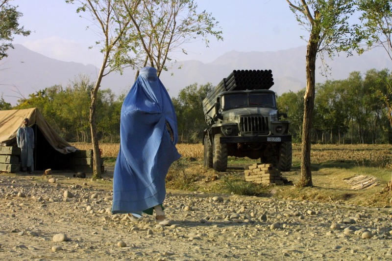 Afghan Continue to Flee Kabul as U.S. Strikes