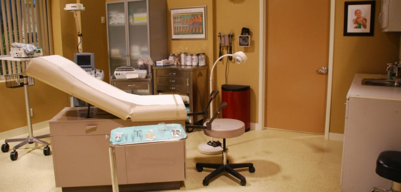 Palm Springs Hospital Exam Room150_2-18