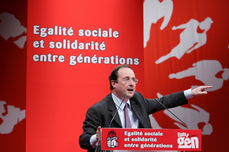 Rennes, FRANCE:  France's opposition Socialists (PS) leader Francois Hollande gives a speech 08 April 2006 in Rennes, western France, during the party's congress. Sporadic protests against the French government's new youth jobs law continued nationwide 08 April as politicians sought a face-saving exit from the crisis. Presidents of 13 of the country's 84 universities, most of them paralysed for weeks by protests, called on the government to lay the First Employment Contract (CPE) to rest. Union leaders called for a clear statement by April 17 that the CPE was dead and buried and said that otherwise the mobilisation that has brought millions on to the steets would continue. AFP PHOTO DAVID ADEMAS  (Photo credit should read DAVID ADEMAS/AFP/Getty Images)