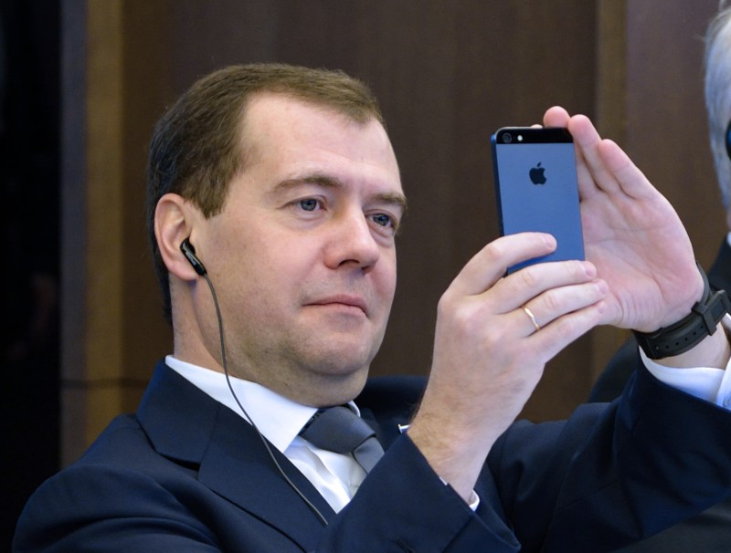 FRANCE-RUSSIA-ECONOMY-MEDVEDEV-MEDEF
