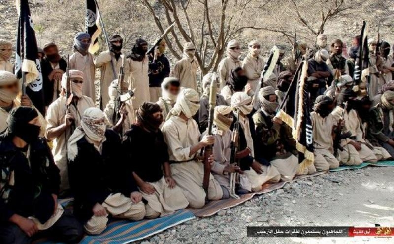 AQAP_fighters,_Yemen,_2014