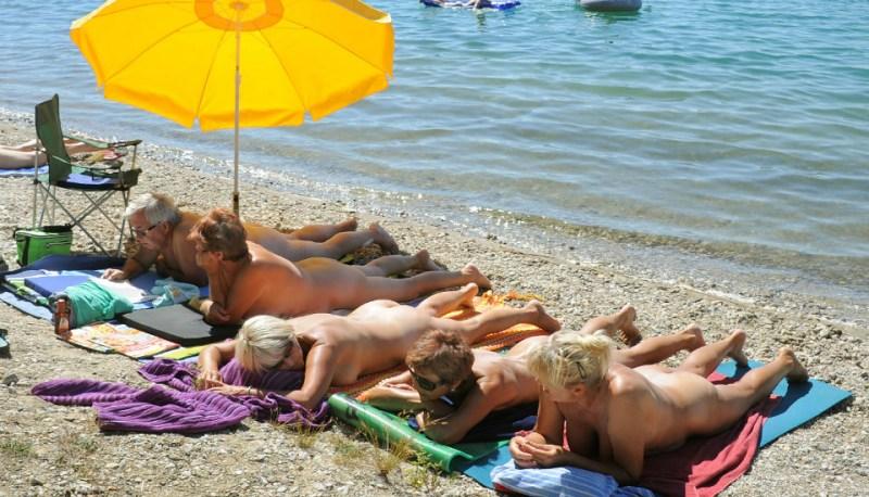 hot girls in mini slip mobile free