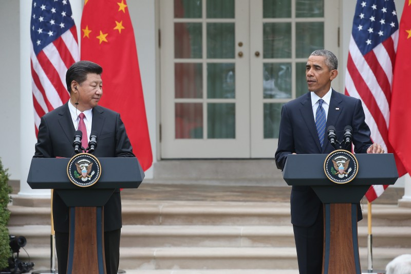 WASHINGTON, DC - SEPTEMBER 25:  U.S. President Barack Obama (R) and Chinese President Xi Jinping (L) attend a joint press conference in the Rose Garden at The White House on September 25, 2015 in Washington, DC.  Jinping is in the U.S. on an official state visit to meet with President Obama to discuss a range of issues.  (Photo by Mark Wilson/Getty Images)