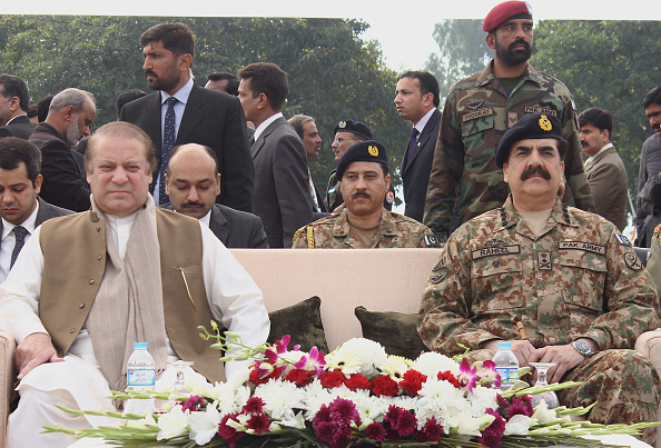 LAHORE, PUNJAB, PAKISTAN - 2015/01/31: Prime Minister of Pakistan Mian Muhammad Nawaz Sharif, Chief minister Mian Shahbaz Sharif and Chief of Army staff General Raheel Sharif attended the passing out parade first batch of 421 Corporals, including 16 women, have successfully completed their training  Counter Terrorism Force(CTF) at Elite Police Training School in Lahore. The new force -the first of its kind- has been given special training on how to counter terrorism by Pakistans Army. The first batch of the Punjab Elite Police Force (PEPF) completed their nine month long training course in the fields of investigation, intelligence and special operations. (Photo by Rana Sajid Hussain/Pacific Press/LightRocket via Getty Images)