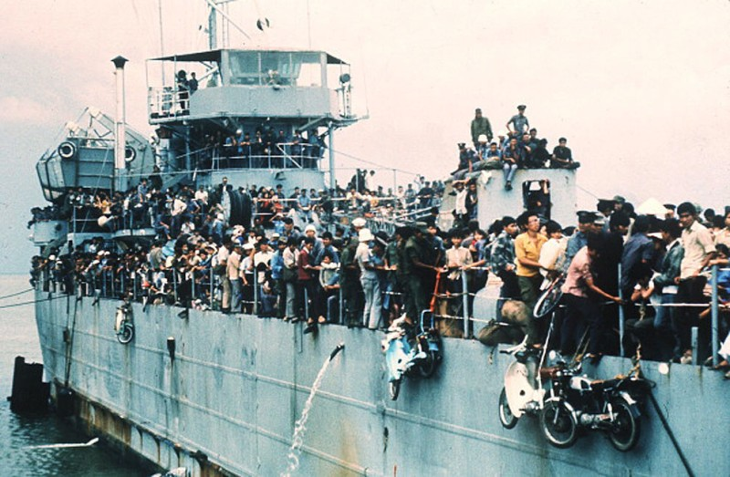 Jampacked with more than 7,000 refugees, the South Vietnamese Navy ship HQ-504 arrives at Vung Tau port, the South Vietnam' s most popular sea resort, and now the only port city in the Government hands. More than 20,000 Vietnamese refugees including those from Hue and Danang arrived at Vung Tau from Cam Ranh Bay, on board the Navy ships. The cease fire agreement was signed during the international peace conference on Vietnam the 02 March 1973 in Paris.        (Photo credit should read STAFF/AFP/Getty Images)