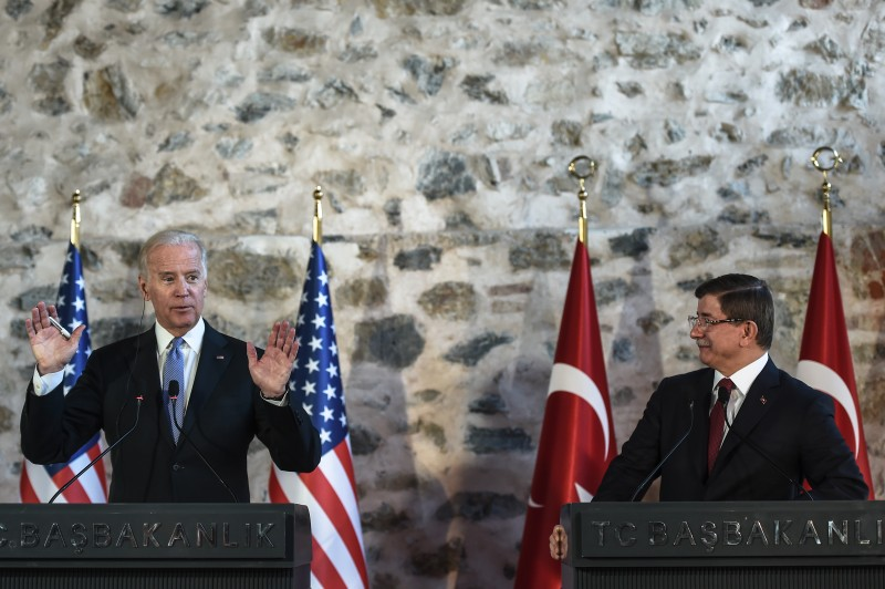 US Vice-President Joe Biden (L) gestures during a press conference with Turkish Prime Minister Ahmet Davutoglu (R) after their round table meeting on January 23, 2016 in Istanbul. / AFP / OZAN KOSE        (Photo credit should read OZAN KOSE/AFP/Getty Images)
