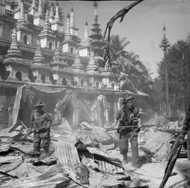 607px-British_soldiers_patrol_Burmese_town_Bahe