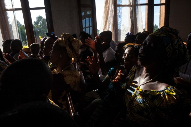 The wedding of Furaha Kirombozi, 25, and Theiry Kakule Mutsumde, 33, was attended hundreds of people, but the celebrations stopped at the sundown. As residents of Beni say, everybody sets a curfew for himself, but they all agree it's not safe to stay out after dark