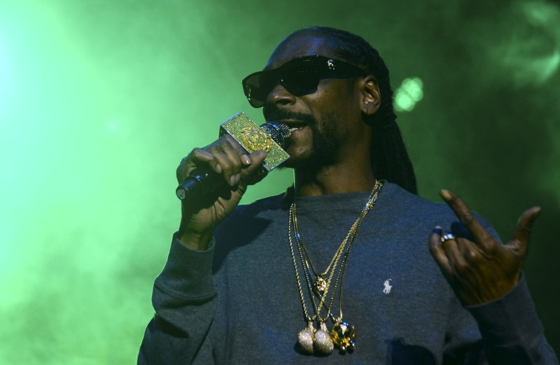 Snoop Dogg Isn't in Romania, But That Doesn't Mean You