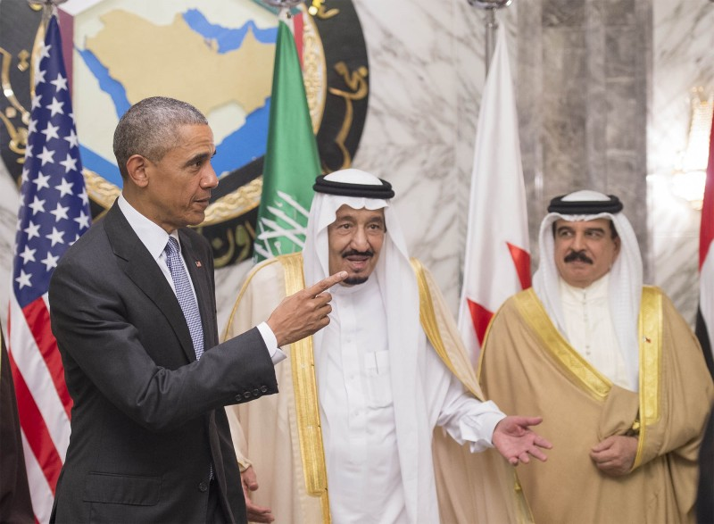 RIYADH, SAUDI ARABIA - APRIL 21:  US President Barack Obama (L), King of Saudi Arabia Salman bin Abdulaziz al-Saud (C) and King of Bahrain Hamad bin Isa al-Khalifa (R) are seen as they take part in a family photo during US - Gulf Cooperation Council (GCC) summit in Riyadh, Saudi Arabia on April 21, 2016. (Photo by Pool / Bandar Algaloud/Anadolu Agency/Getty Images)