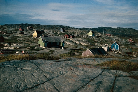 GREENLAND - FEBRUARY 9: Fishermen's houses built on the rocks, Upernavik, Greenland. (Photo by DeAgostini/Getty Images)