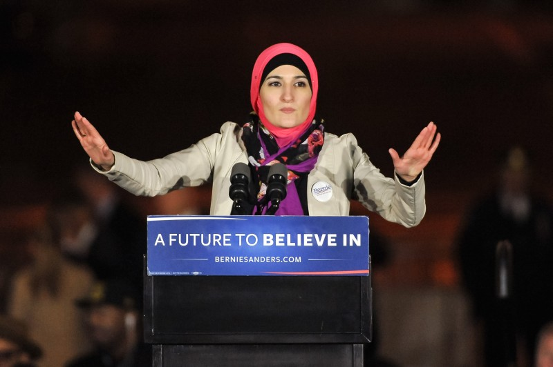 NEW YORK, NEW YORK - APRIL 13:  Arab American Association of New York executive director Linda Sarsour speaks onstage at a campaign event for Democratic presidential candidate U.S. Senator Bernie Sanders (not pictured) at Washington Square Park on April 13, 2016 in New York City.  (Photo by D Dipasupil/WireImage)