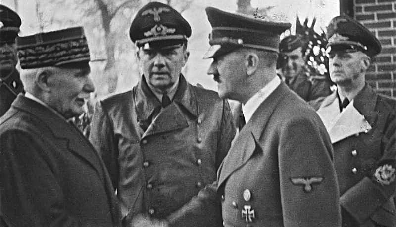 Bundesarchiv_Bild_183-H25217,_Henry_Philippe_Petain_und_Adolf_Hitler