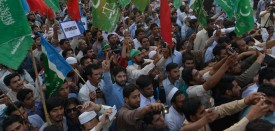 Activists of Jamaat-e-Islami party take part in an anti-government rally in Lahore on April 24, 2016, following the Panama Papers tax scandal .  Pakistan's Prime Minister Nawaz Sharif on April 22 pledged to resign if a probe related to the Panama Papers tax scandal found his family had committed any wrongdoing. / AFP / ARIF ALI        (Photo credit should read ARIF ALI/AFP/Getty Images)