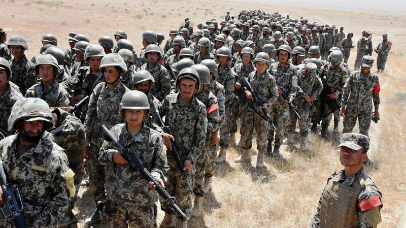 BALKH, May 24, 2016 -- Afghan army soldiers take part in a military training in Mazar-e-Sharif, Balkh province, Afghanistan, May 24, 2016. About 1,700 army soldiers and officers have been receiving the 15-week military training in northern Balkh province, Afghanistan. (Xinhua/Yaqoub Azorda via Getty Images)