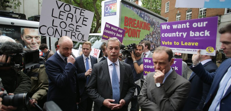 UK Independence Party Leader (UKIP) Nigel Farage addresses the media during a national poster launch campaign ahead of the EU referendum, in London on June 16, 2016. Two new polls released today have indicated that British voters are favouring a Brexit, one week ahead of the June 23 referendum. / AFP / Daniel Leal-Olivas        (Photo credit should read )
