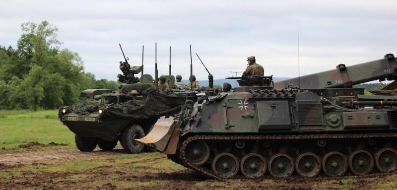 US_Stryker_DEU_Tank