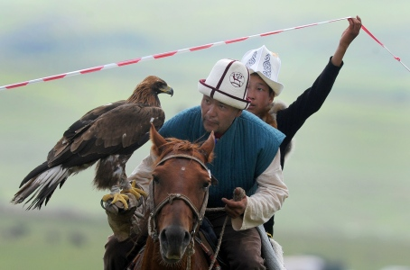 CHOLPON-ATA, KYRGYZSTAN - SEPTEMBER 6, 2016: A Kyrgyz falconry contest at the 2016 World Nomad Games. Viktor Drachev/TASS (Photo by Viktor DrachevTASS via Getty Images)
