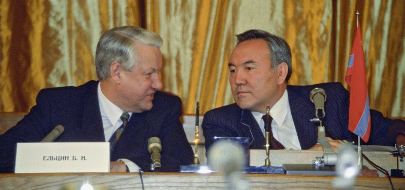 Alma-ata, president of the rsfsr boris yeltsin (l) and president of kazakhstan nursultan nazarbayev are pictured at the press-conference, december 21, 1991. (Photo by: Sovfoto/UIG via Getty Images)