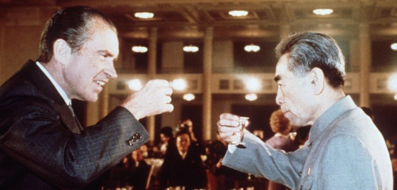 BEIJING - FEBRUARY 1972:  U.S. President Richard Nixon (L) toasts with Chinese Premier Zhou Enlai (R) during his trip to China in February 1972. (Photo by AFP/Getty Images)