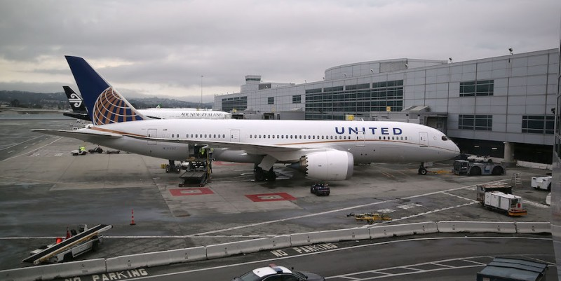 SAN FRANCISCO, CA - JUNE 10:  A United Airlines plane sits on the tarmac at San Francisco International Airport on June 10, 2015 in San Francisco, California.  The Environmental Protection Agency is taking the first steps to start the process of regulating greenhouse gas emissions from airplane exhaust.  (Photo by Justin Sullivan/Getty Images)