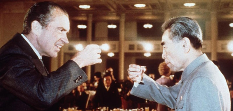 BEIJING, CHINA:  US president Richard Nixon (L) toasts with Chinese Prime Minister, Chou En Lai (R) in February 1972 in Beijing during his official visit in China. Le prTsident amTricain Richard Nixon (G) trinque avec le leader communiste chinois Chou En Lai (D) en fTvrier 1972 a Pekin, lors de son voyage officiel en Chine. (Photo credit should read AFP/Getty Images)