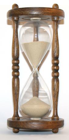 Wooden_hourglass_3