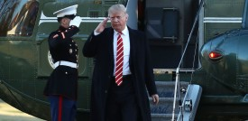 WASHINGTON, DC - FEBRUARY 06: U.S. President Donald Trump arrives back at the White House from after spending the weekend in Florida, on February 6, 2017 in Washington, DC. Earlier in the day trump visited U.S. Central Command where he spoke to troops there.  (Photo by Mark Wilson/Getty Images)