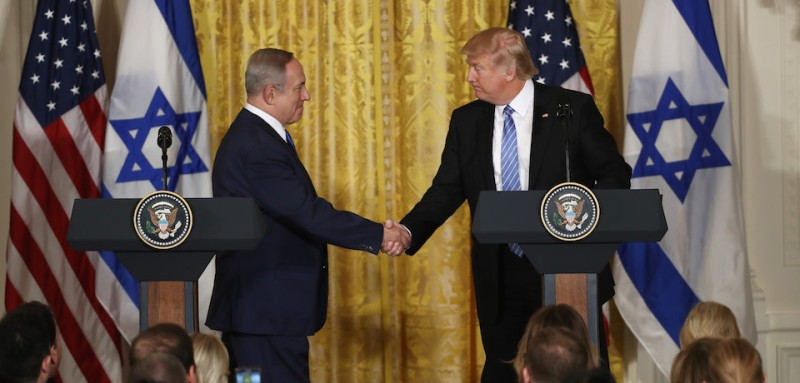 WASHINGTON, DC - FEBRUARY 15: (EDITORS NOTE: Retransmission with alternate crop.) U.S. President Donald Trump (R) and Israel Prime Minister Benjamin Netanyahu (L) shake hands during a joint news conference at the East Room of the White House February 15, 2017 in Washington, DC. President Trump hosted Prime Minister Netanyahu for talks for the first time since Trump took office on January 20.  (Photo by Win McNamee/Getty Images)