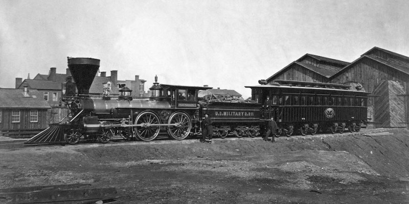 USMR_Locomotive_W._H._Whiton_and_Lincoln_Presidential_Car