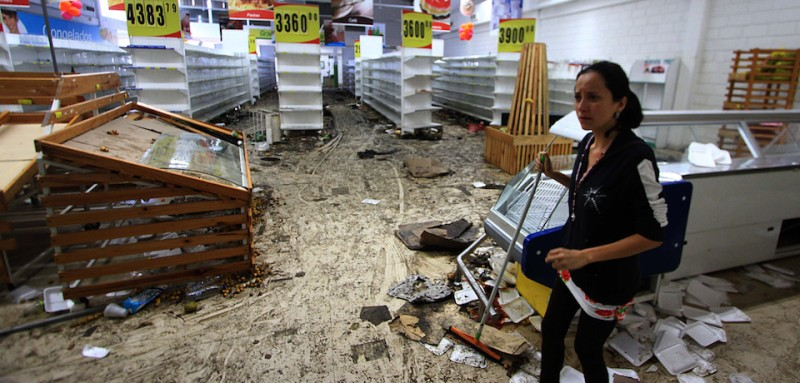 View inside a looted supermarket in Capacho, Tachira state, Venezuela, on May 17, 2017.  Venezuela's government said Wednesday it was sending troops to a western region rocked by looting and attacks against security installations during a wave of anti-government protests. / AFP PHOTO / George Castellanos        (Photo credit should read GEORGE CASTELLANOS/AFP/Getty Images)