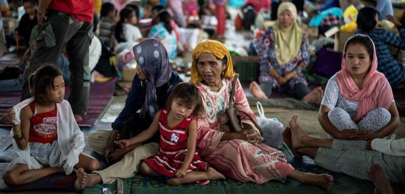 Evacuees from Marawi City camp rest at the Saguiaran Townhall in Lanao del Sur on the southern island of Mindanao on June 5, 2017.  Efforts to rescue up to 2,000 civilians trapped in fighting between government forces and Islamist militants in a Philippine city failed on June 4 when a proposed truce ended in a hail of gunfire and explosions, authorities and witnesses said. / AFP PHOTO / NOEL CELIS        (Photo credit should read NOEL CELIS/AFP/Getty Images)