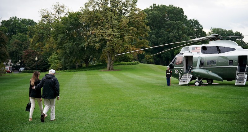WASHINGTON, DC - SEPTEMBER 14:  U.S. President Donald Trump and first lady Melania Trump depart the White House September 14, 2017 in Washington, DC. Trump is scheduled to visit Florida today to view relief efforts in the wake of Hurricane Irma. Trump also spoke on reports from a meeting with Democratic leaders last night about a proposed deal on DACA and potentially delaying negotiations on his efforts to build a wall on the U.S. border with Mexico.   (Photo by Win McNamee/Getty Images)