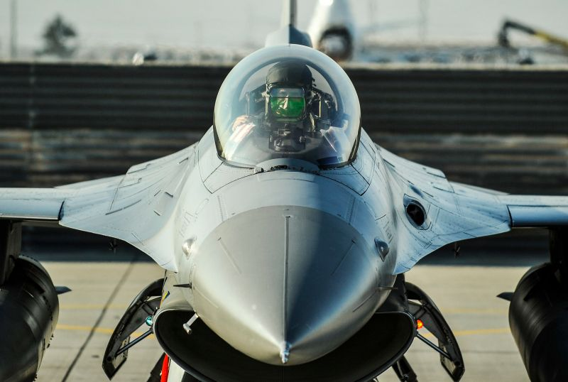 A U.S. Air Force F-16 pilot prepares for a flight at Bagram Airfield, Afghanistan on February 1, 2016. (U.S. Air Force)