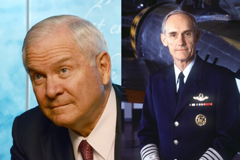 Former U.S. Secretary of Defense Bob Gates and former Air Force Chief of Staff Merrill McPeak. (Wikimedia Commons)