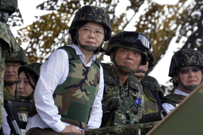 Taiwanese President Tsai Ing-Wen oversees a military drill on May 25, 2017. (Sam Yeh/AFP/Getty Images)