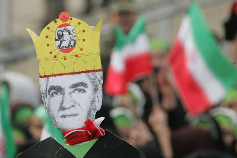 An effigy of Iran's pre-revolution leader Shah Mohammad Reza Pahlavi in Tehran. (Atta Kenare/AFP/Getty Images)