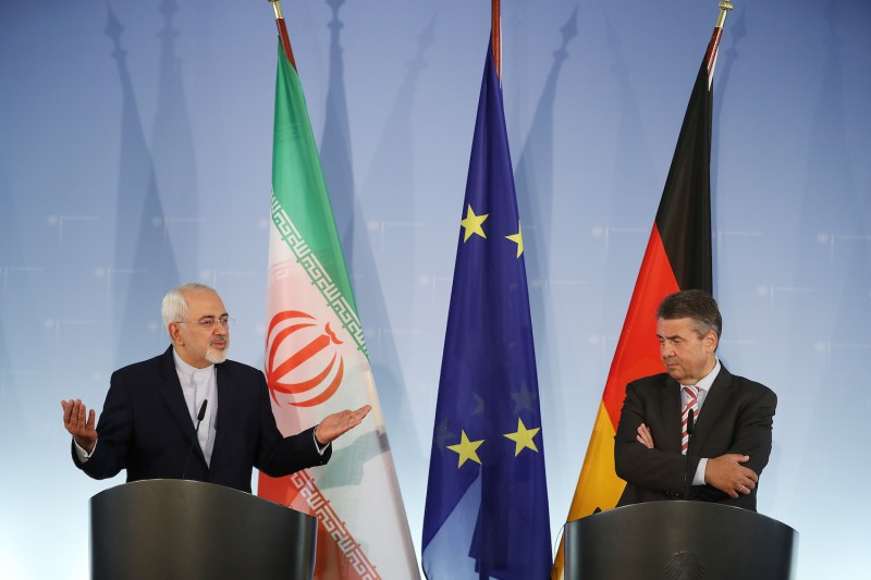 Iranian Foreign Minister Javad Zarif and his German counterpart, Sigmar Gabriel, speak to the media following talks in Berlin on June 27, 2017. (Sean Gallup/Getty Images)