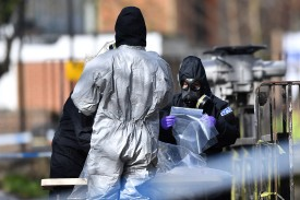 Investigators collate forensic samples near the Maltings shopping center in Salisbury, England, on March 16, as investigations continue after a former Russian spy and his daughter were apparently poisoned in a nerve agent attack on March 4. (Ben Stansall/AFP/Getty Images)