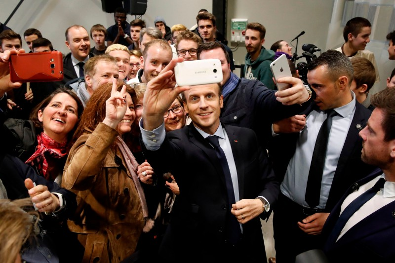 Emmanuel Macron with students during the inauguration of an apprentice training centre in Tours on March 14, 2018.  (BENOIT TESSIER/AFP/Getty Images)