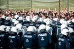 Several hundred Austrian police and soldiers simulate a border control exercise on June 26, 2018 at the crossing point with Slovenia, where thousands of migrants crossed in 2015.